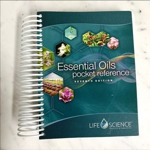ESSENTIAL OILS Pocket Reference Book -7th Edition